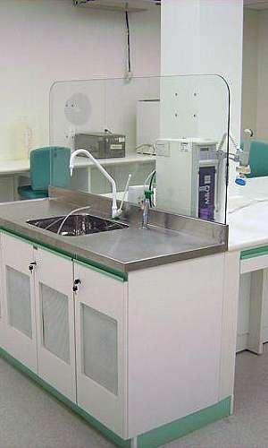 Mobiliário para laboratório de microbiologia